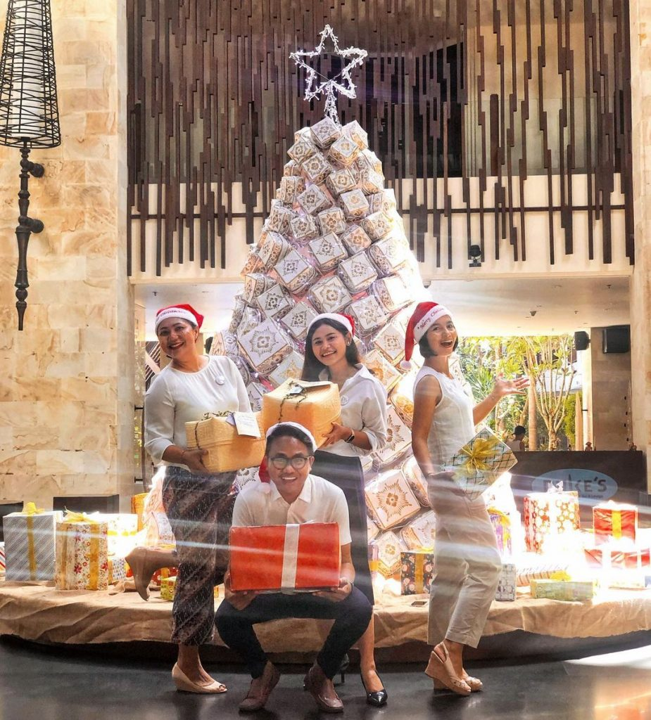Without Snow, Christmas in Bali can Be Just As Magical