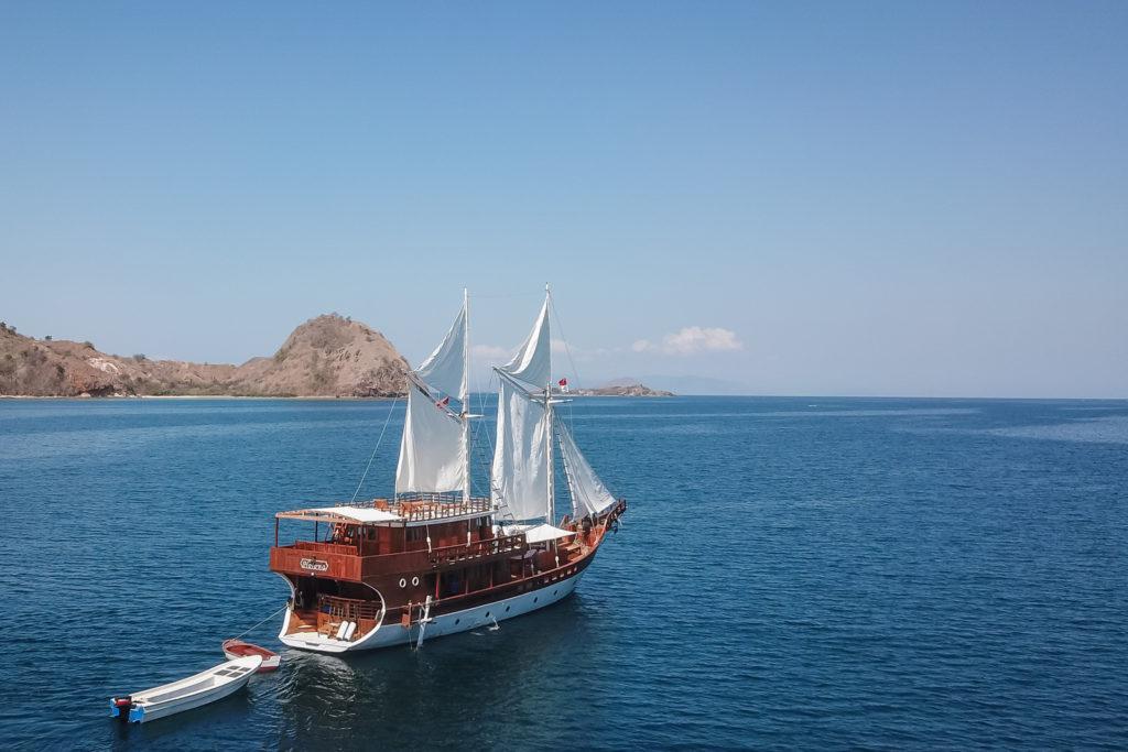 Open Trip Labuan Bajo With Luxury Helena Yacht