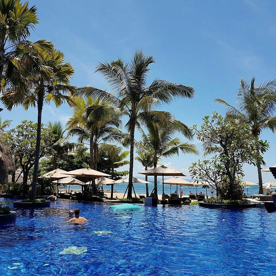 Tropical Hideaway in Nusa Dua Resorts- Choosing the Best One