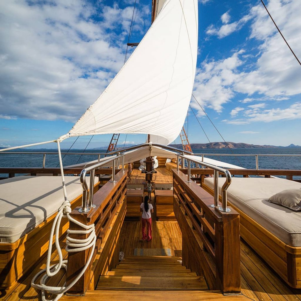 "Boat Charter Komodo: Re-defining ""Hidden Paradise"""